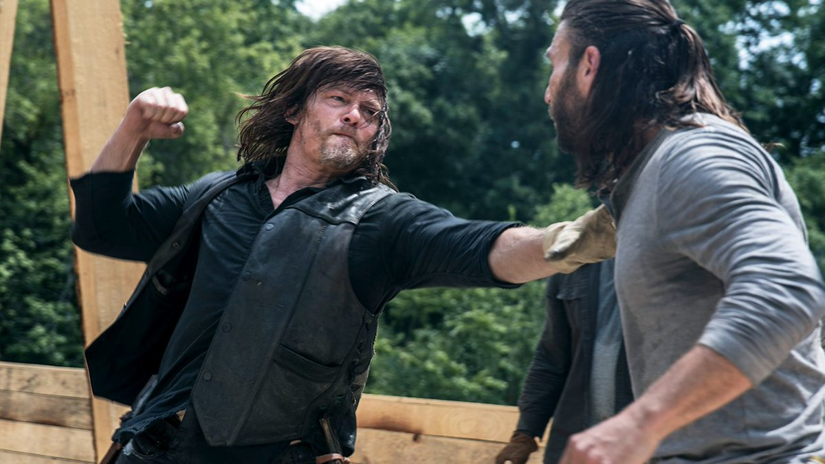 See Daryl and Justin's fight in greater detail with these HD pics from last week's #WalkingDead: bit.ly/902Gallery