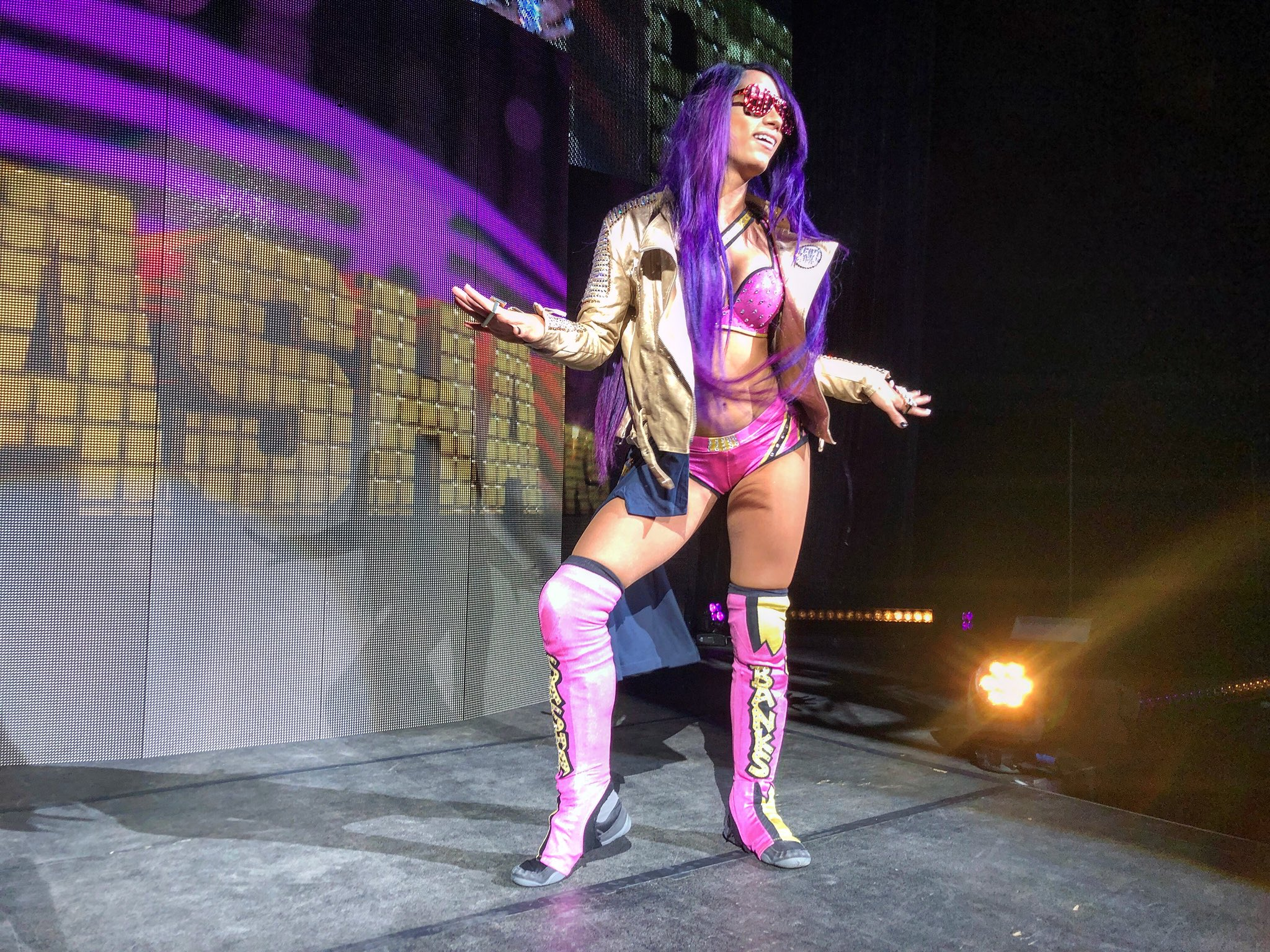 #TheBoss @SashaBanksWWE has returned home to New England to take on #WWEBangor! https://t.co/0rDilCxgI9