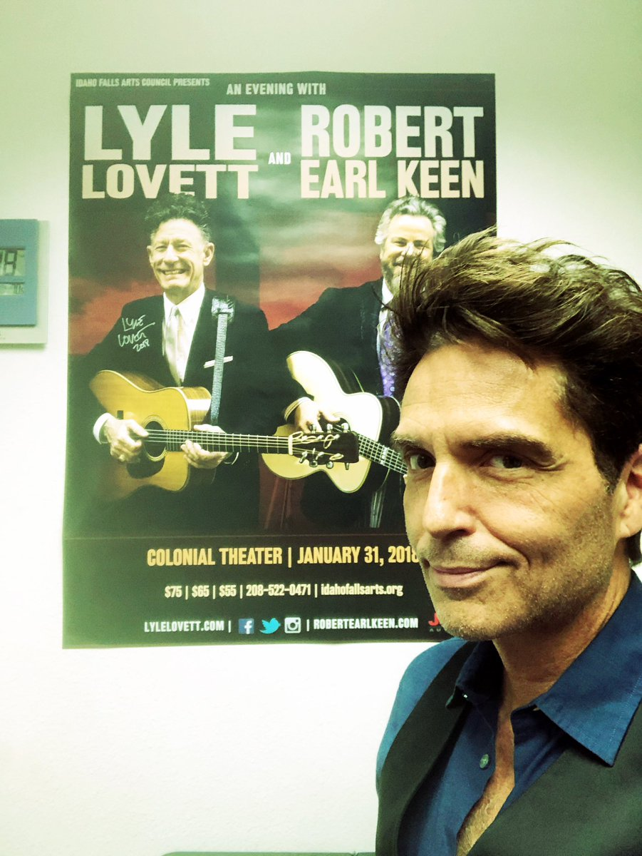 Oh hey there @LyleLovett #ingoodcompany