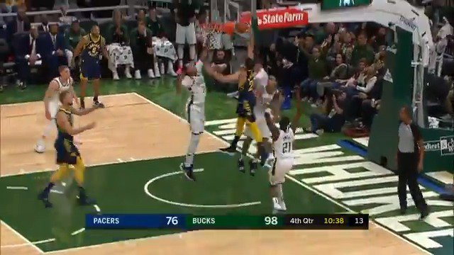 Doug McDermott punishes the rim! #Pacers #KiaTipOff18 https://t.co/BPak1SdG0B