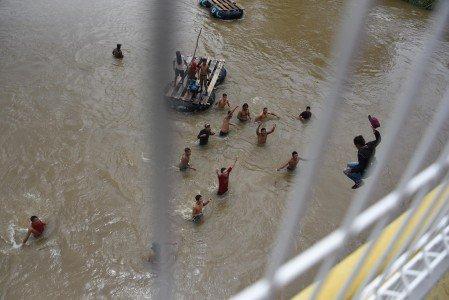VIDEO: Ellos son los migrantes hondureños que despertaron la furia de @realDonaldTrump https://t.co/XhDmFD7V59