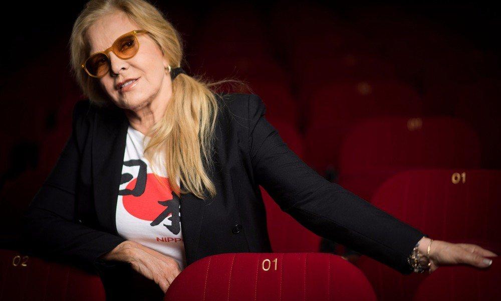 Sylvie Vartan n'a 'pas encore le cœur à écouter' l'album posthume de Johnny: 'Ça me glace' https://t.co/ZmKjY4mxeg