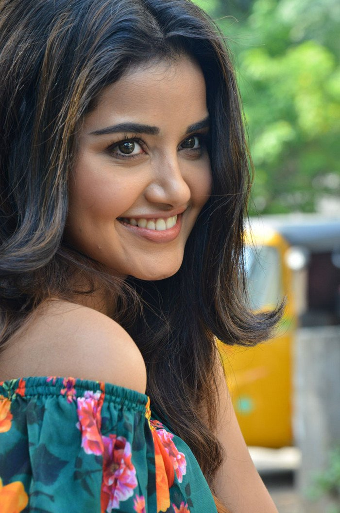 Anupama ready to begin GLAMOUR side works finally