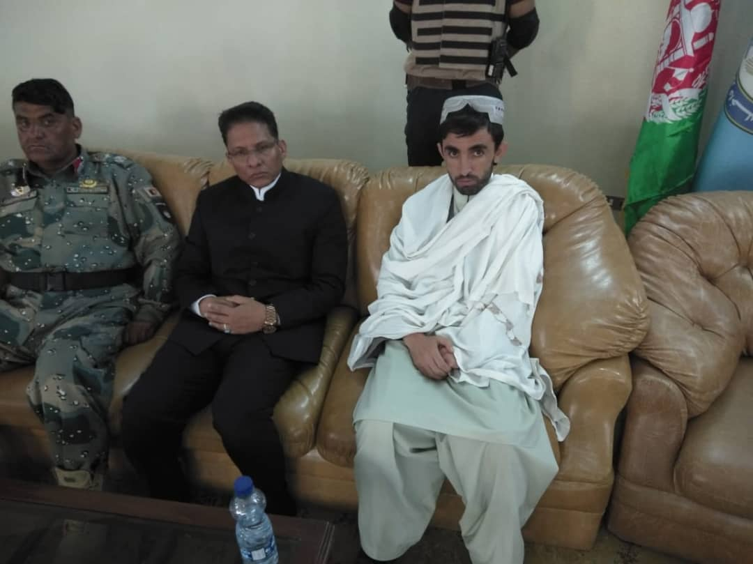 Consul General of India in Kandahar visited late Gen. Raziq's residence today and attended the Fatia (Condolence Meet). We mourn the loss of Afghan patriots and stand in solidarity with with our Afghan brethren. @MEAIndia @IndianDiplomacy @IndianEmbKabul
