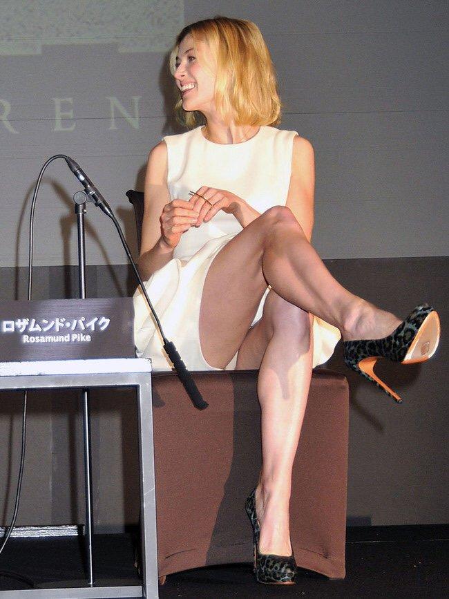 Legs rosamund pike Rosamund Pike