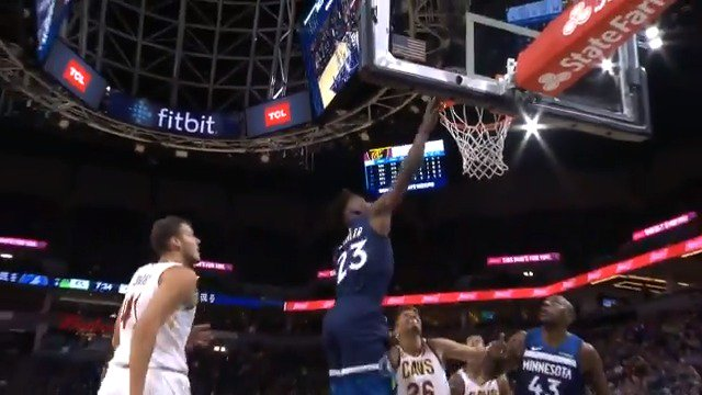 Jimmy Butler (33 PTS) & Kevin Love (25 PTS) go back and forth in Minneapolis! #AllEyesNorth #BeTheFight #KiaTipOff18 https://t.co/guqnlOmeyT