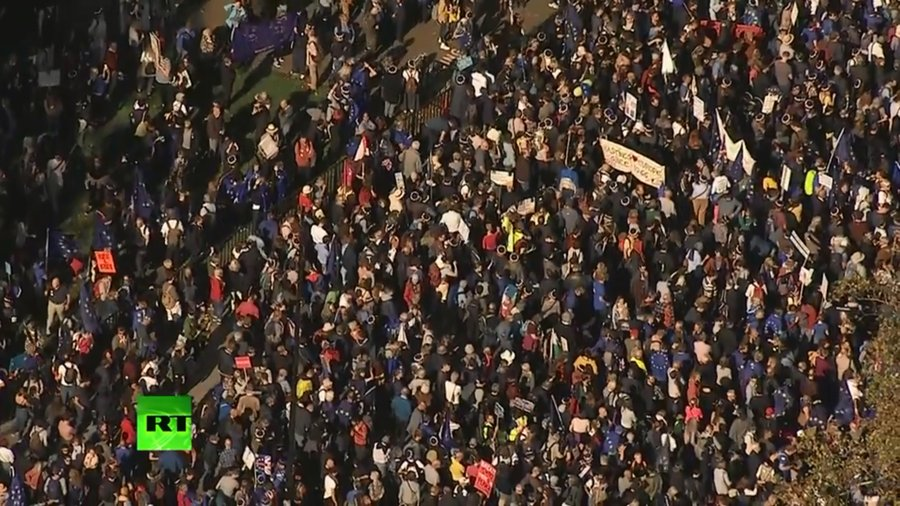 1,000s gather in #London for 'biggest' anti-#Brexit rally seeking final say (WATCH LIVE) https://t.co/9foT2rRSqa