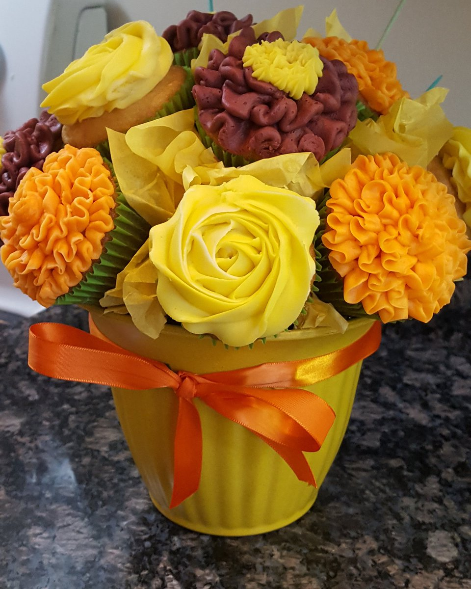 Jody Garcia On Twitter Vanilla Cupcake Bouquet Happy Birthday Taylor Cupcakes Vanilla Buttercream Bouquet Flowers Happybirthday Celebrate Https T Co Pm3uq1qilf