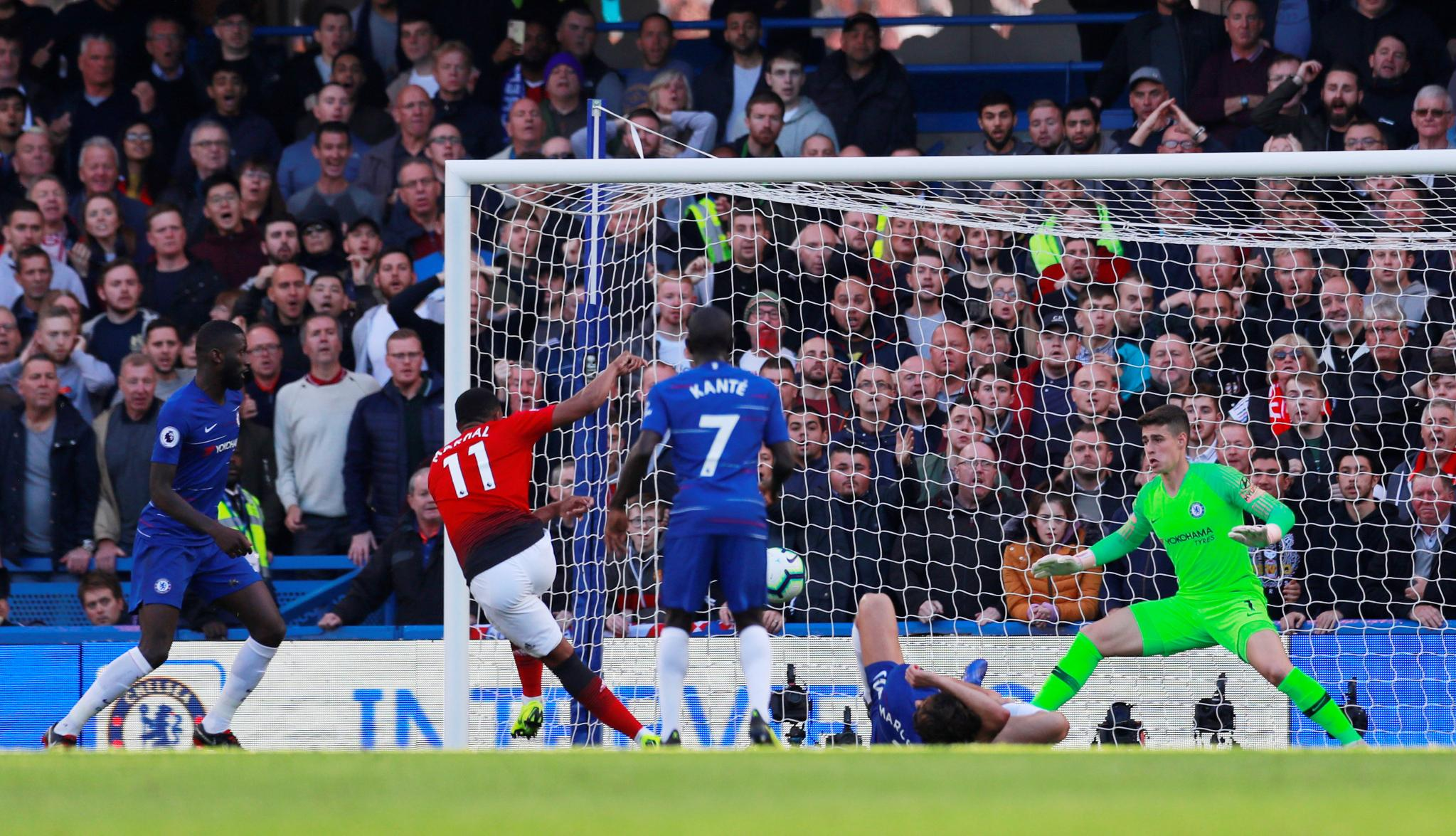 �� @AnthonyMartial on target ��  Chelsea 1-1 Man Utd (61 mins)  #CHEMUN #PL https://t.co/dQE8mZ1xfu