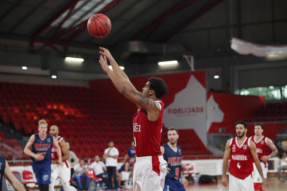🏆  3.ª jornada LPB Placard 🆚 #BasketBenfica vs. SC Lusitânia 🕧 Hoje, às 15h00 📍 Pavilhão Fidelidade  🎟 https://t.co/Ji0c9Ovyuw