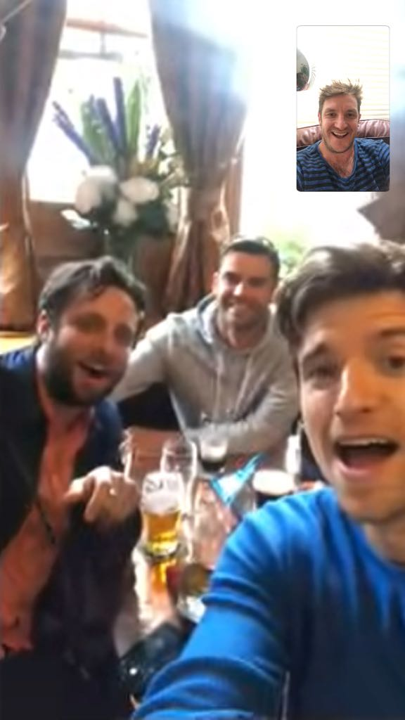 New #Tailenders podcast is up now...featuring the tale of the 'mega bollock' and all the details on how you can be at our LIVE show on 19th December at the BBC Radio Theatre. Mad that they're letting us do that. @jimmy9 @felixwhite   https://t.co/zrj2Fggg33