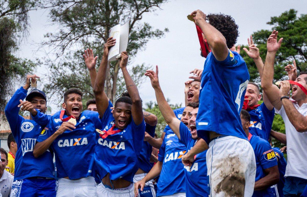 Com a Toca I lotada, Cruzeiro conquista 17º título do Campeonato Mineiro Sub-20.  https://t.co/OEn1AfI2v0