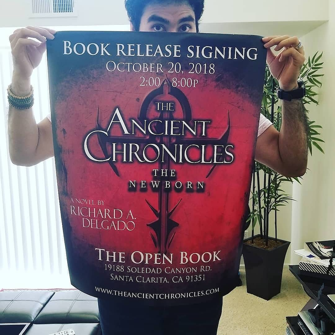 TODAY is our book signing event at #TheOpenBook in #santaclarita #California!! All #artistsontwitter join our #author @Richy_Axl and get your purchased copy of #TheNewborn signed!!! #SaturdayMorning #fiction #writer #party #vampires