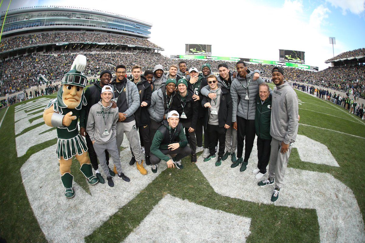 #B1GChamps 💍 Let's get this W @msu_football! #GoGreen