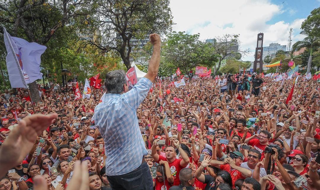 Haddad chama Bolsonaro de 'aberração' e 'soldadinho de araque' em evento em Fortaleza https://t.co/tAnYMqc7Hn
