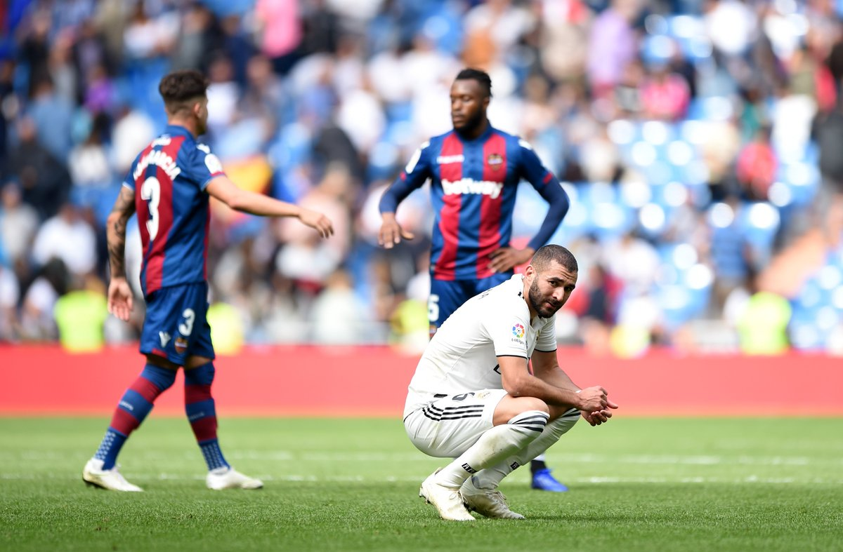 Real Madrid snapped its club-record 480 minutes goalless drought Saturday, but still lost 2-1 to Levante.   The club in winless in 5 straight matches for the first time since April-May 2009.