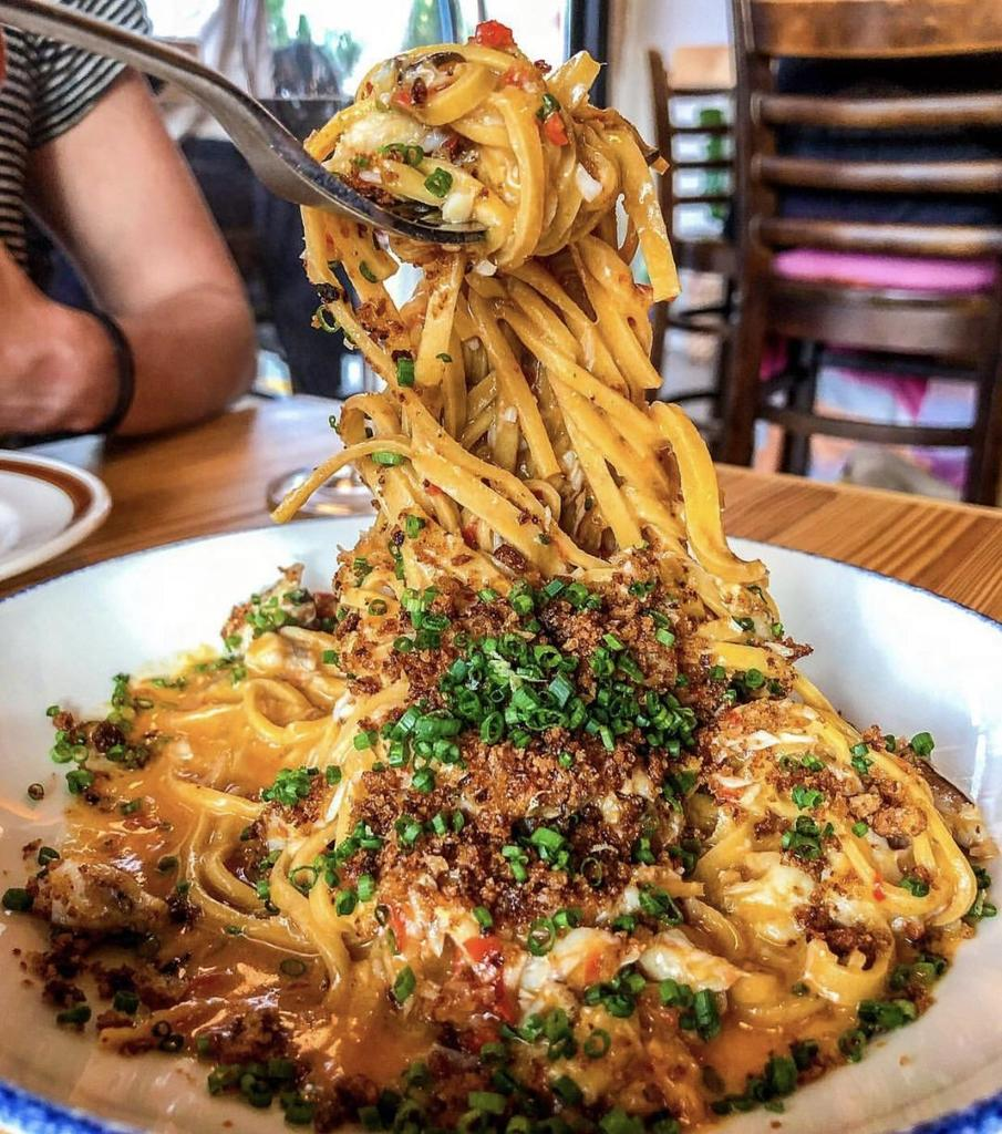 [I ate] Hand cut spaghetti, fermented chilli butter, crab, Parmesan, and breadcrumbs. via /r/#foodporn https://t.co/09LUnZNRSV