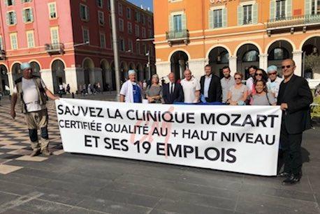 Avec @AugusteVerola nous sommes allés soutenir place Masséna les salariés de la Clinique Mozart. 19 emplois sont menacés par la fermeture abusive de cette clinique en centre-ville #Nice06