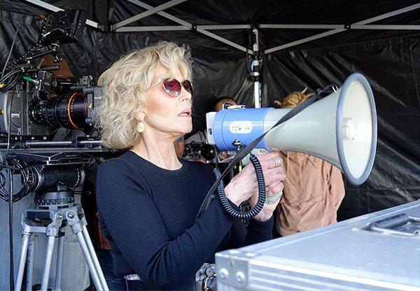 Jane Fonda tourne La sortie des usines Lumière à Lyon