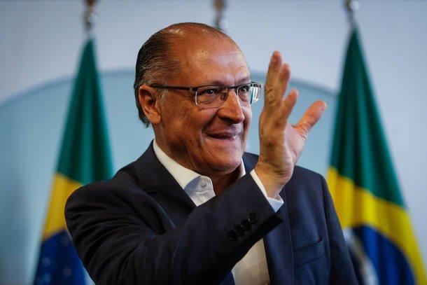 'TSE ignorou dimensão do problema', diz consultor de campanha de Alckmin https://t.co/VAEBGqK435