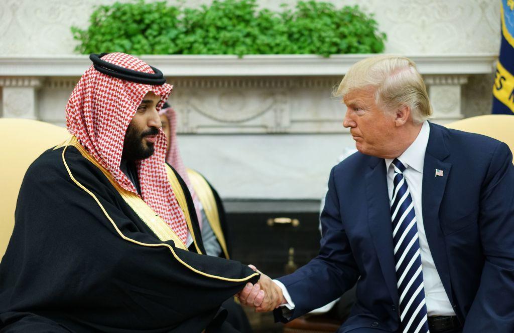 When Crown Prince Mohammed bin Salman visited the U.S., he met: - Donald Trump - Oprah Winfrey - Tim Cook - Evan Spiegel - Sergey Brin - Jeff Bezos  Saudi money is everywhere https://t.co/GHKgKlkKAP via @BV