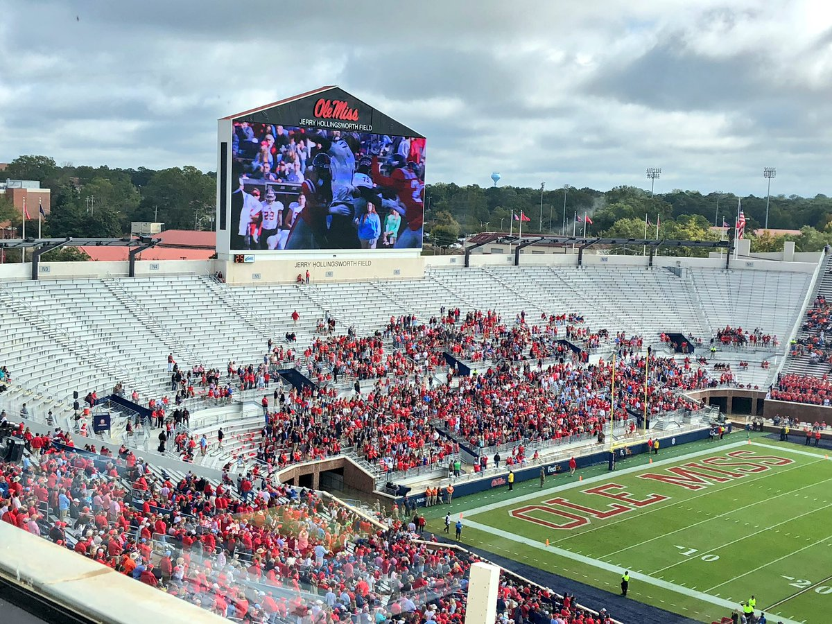 Photo: No One Showed Up To This College Football Game Today