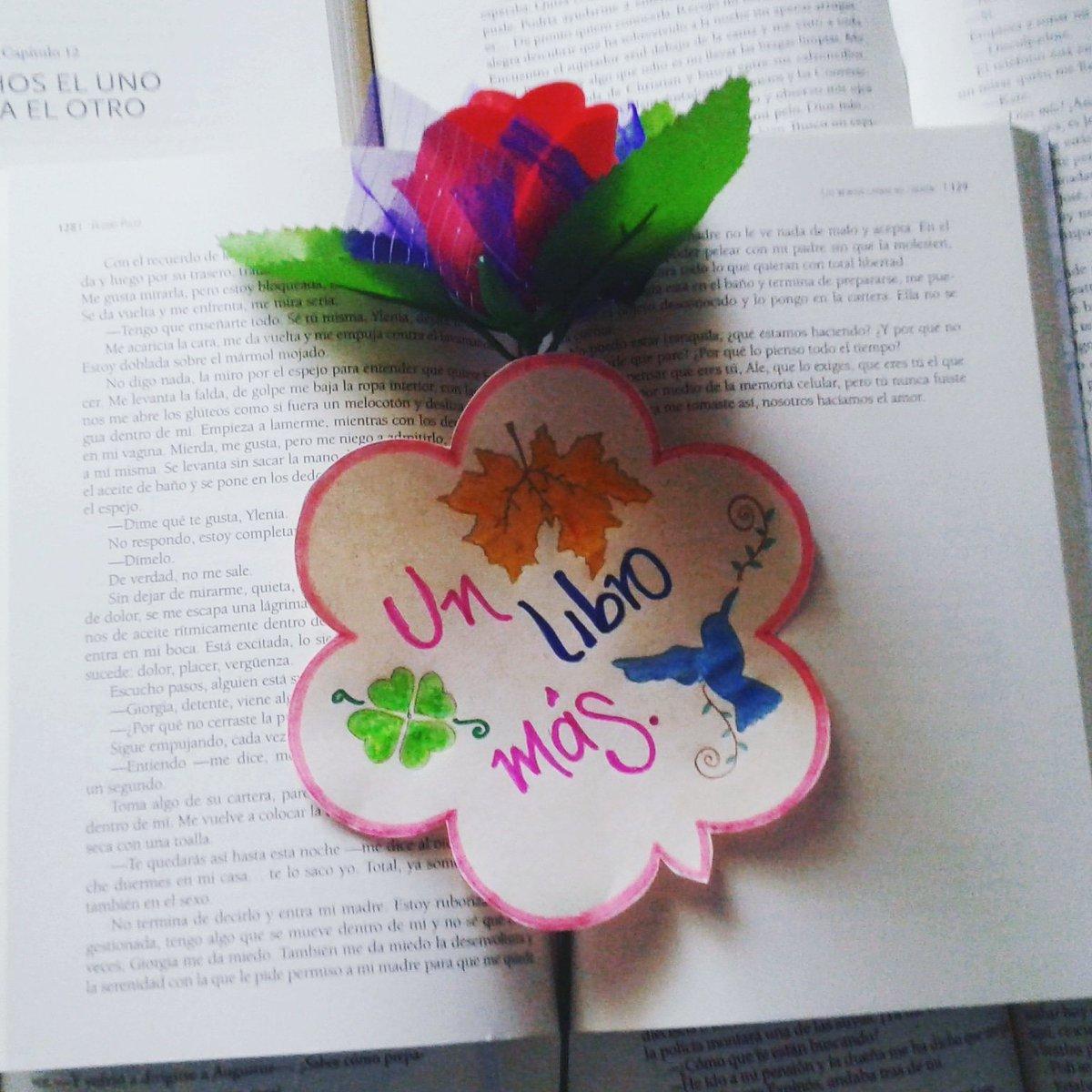 Tenía un sueño/ idea desde hace bastante tiempo de crear un Blog para mostrar mi pasión, lo que me gusta hacer. 📚📚📚 Leer es lo que más amo en esta vida.  Ya  pueden encontrar el link mi perfil. 🙈 Espero que les guste. 😊  #UnLibroMas 😱😍