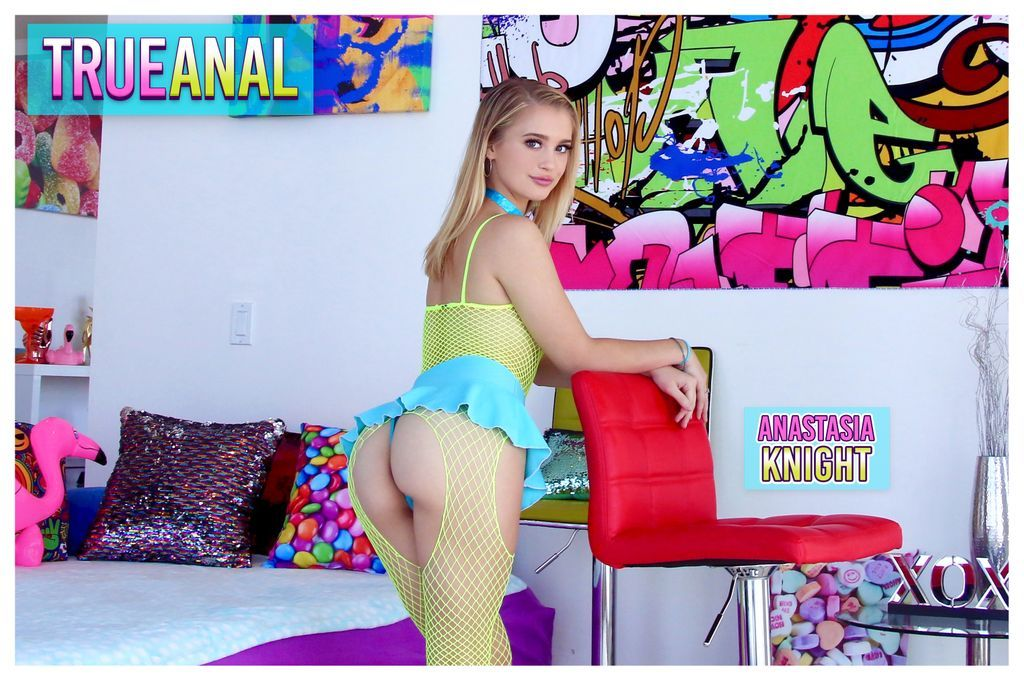 Very Attractive Blonde Babe Paloma In Panties Showing Trueanal 1