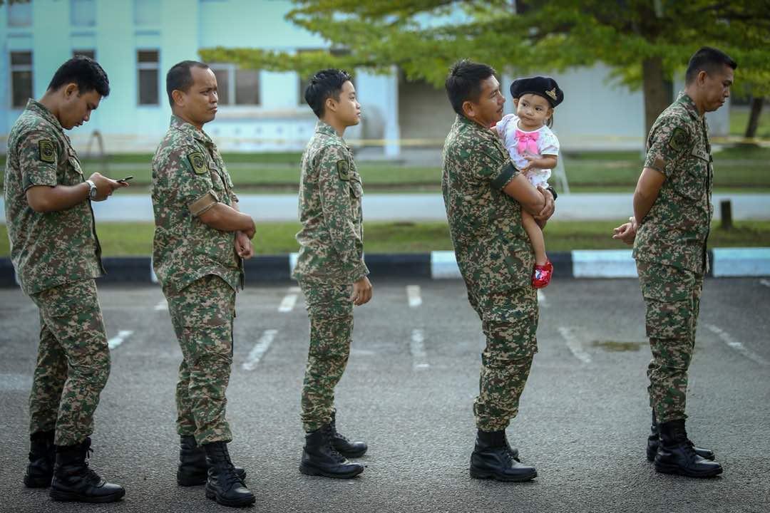 Berita Harian On Twitter Anggota Tentera Membuang Undi Pada Pengundian Awal Bagi Pilihan Raya Kecil Prk Parlimen Port Dickson Di Kem Tentera Pusasda Port Dickson Negeri Sembilan Foto Muhd Zaaba Zakeria