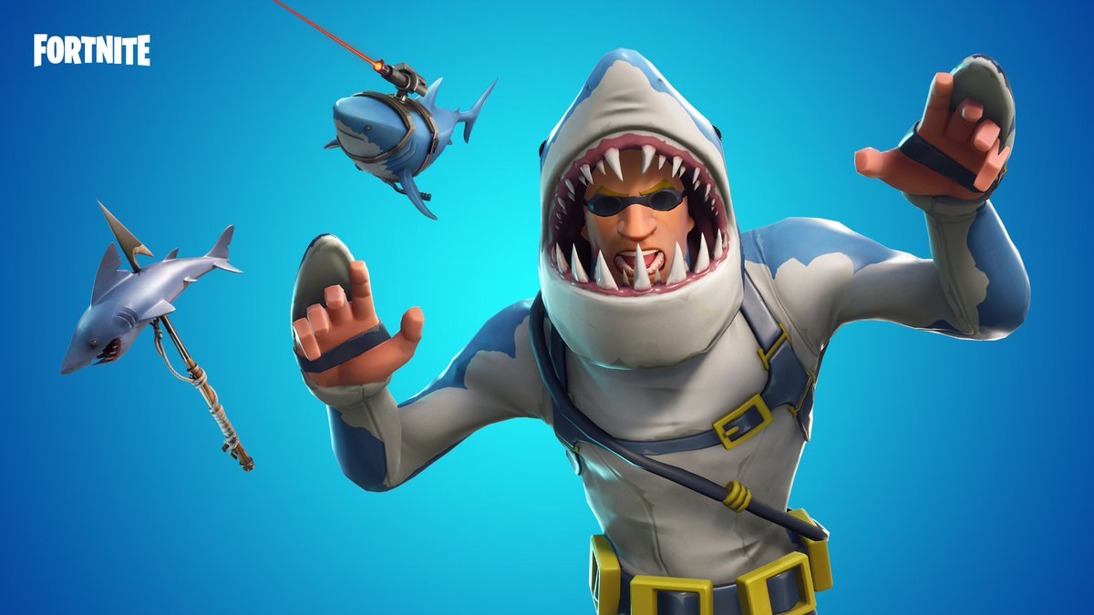 Fortnite On Twitter Make A Splash The Chomp And Sky Stalker Gear