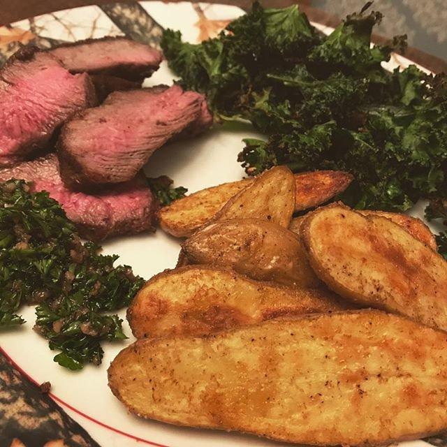 Reposting @jenn.faheypc: - via @Crowdfire  #delish #meat #steak #kale #fingerlingpotatoes  #yummy #food #foodie https://t.co/eaRaIx8m0c