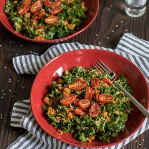 This Healthy Loaded Kale Salad with Spicy Chickpeas recipe is tr.. https://t.co/arR0hXpBT9 #recipes https://t.co/3VY8fRj5sy