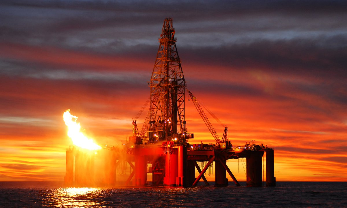 modern oil extraction - HD4240×2789