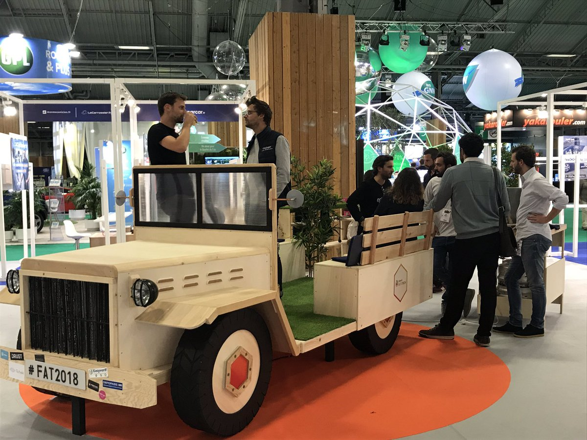 La FAT voiture exposée @MondialAuto cherche repreneurs. Idéale pour créer un espace d'échanges et de rencontres. Anyone interested? #Mobility #bestplacetowork #workplace #woodworking https://t.co/Ckn4vaBSYl