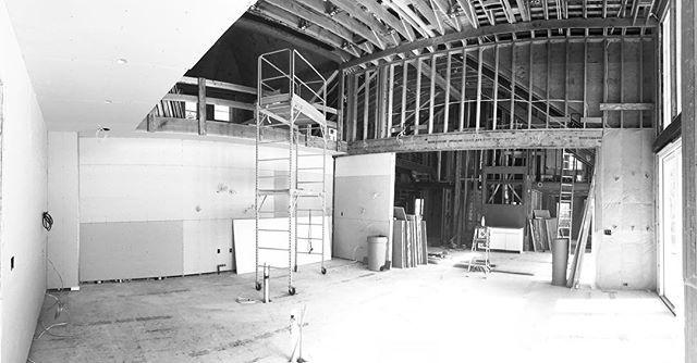#workinprogress #projectinprocess #elliman #douglaselliman #ellimanhamptons #ida #idawinner . #interiordesign #interiorarchitecture #architecture #design #hamptons #summerhome #southampton #hamptonsdesign #construction #beachhome #kitchen #kitchendesign #dalecohendesignstudio https://t.co/8NACvUM4x5