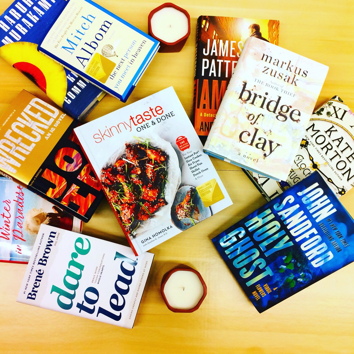 It's #NewReleaseTuesday, #readers! We've got so many #newbooks to share with you this week! 📚📚📚