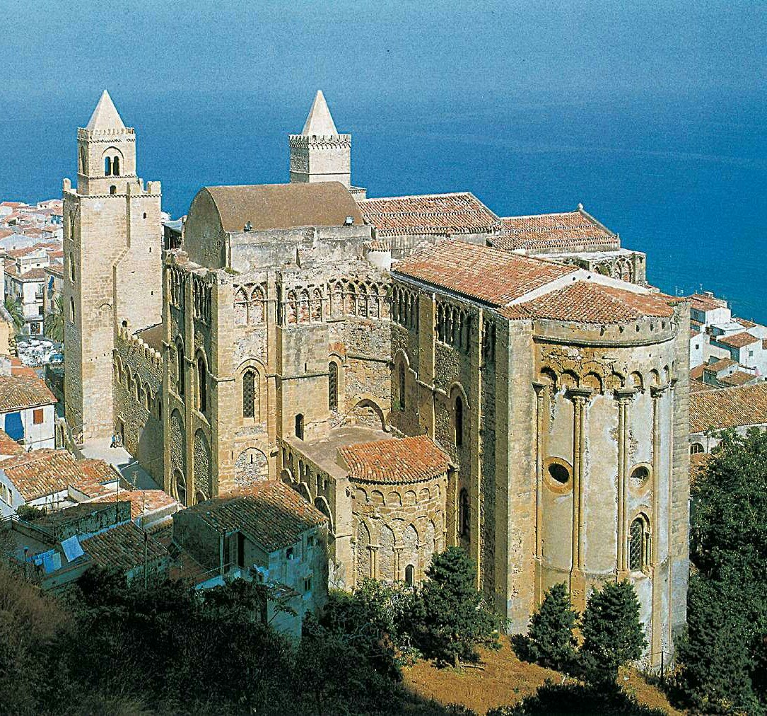 The cathedral in Cefalu', Sicily via @percontomio70 #travel #sicily #italy #beautyfromitaly https://t.co/7dzRuABSjZ