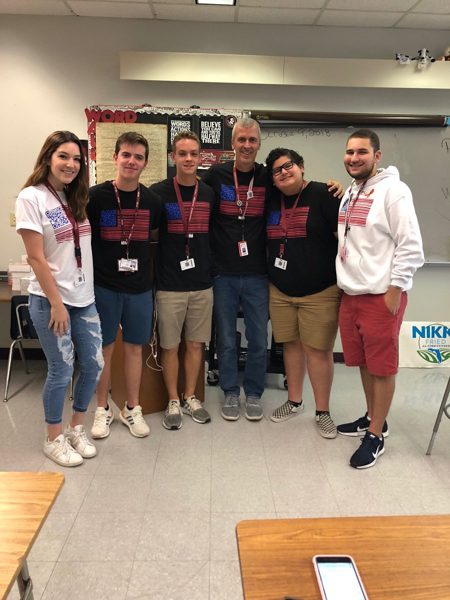 Repping 2nd period #TurnoutTuesday @al3xw1nd @_DrewSchwartz @joeycordover