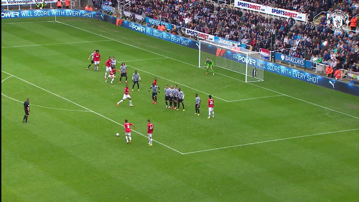 🎩 @JuanMata8 is just magic from free-kicks! #MUFC