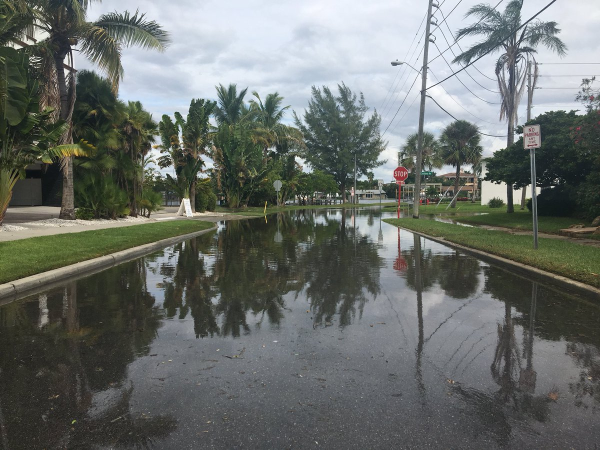 Jorja Roman On Twitter Here S More Flooding From Hurricanemichael In St Pete Beach At Casablanca Ave E Maritana Drive Bn9