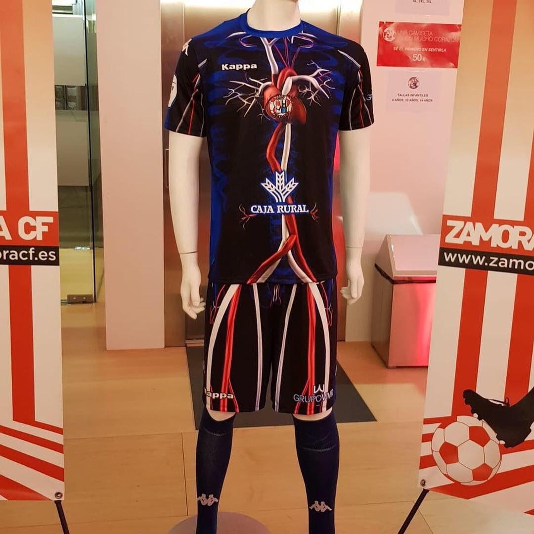 Time que dÁ o sangue defina o novo uniforme do zamora 78faf7e5abdac