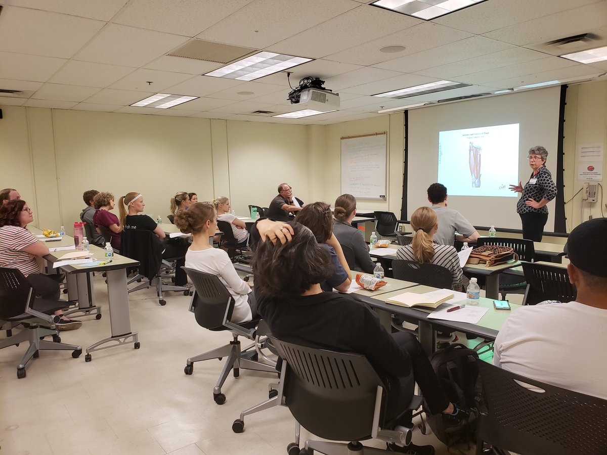 Thanks, Dr. Lizanne Mulligan and Unniversity of Cincinnati DPT student lab assistants, for a fantastic anatomy review of the lower extremity tonight!  We enjoyed learning from you in the classroom and the cadaver lab! @Ohio_PT