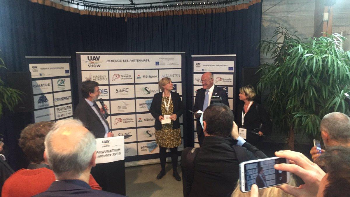 En direct de l'inauguration de l'@uav_show en présence d'@al_rousset, @AANZIANI, @AndreaKiss33185, @MarieRecalde, Thierry Trijoulet & @AnnelaureBedu !