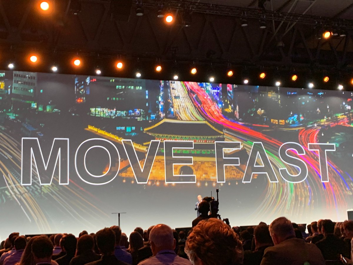 So many vendors push speed and agility as benefits of their platforms but what do they do? @SAP_CX is focusing on:  1. Building an open platform (e.g. Kyma) 2. Embracing cloud as a delivery model (e.g. commerce on Azure) 3. Entering new partnerships   #SAPCXLive <br>http://pic.twitter.com/AFLCn6V2yn