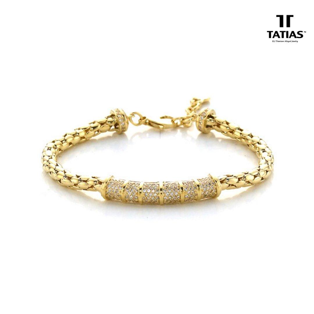 Gold Bracelet- Mark of Style Statement & Majesty!😍  Shop our designer and trendy gold bracelets at:👇👇 …  #Bracelets #GoldBracelet #StyleStatement #Trendygold #Gold #Jewelry #TATIAS