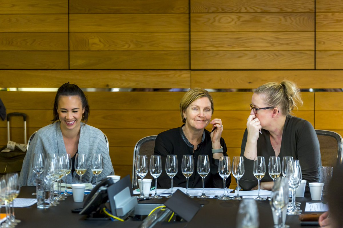 """Sara Underdown on Twitter: """"Three of #Australia's best. Throwback to  re-tasting #champagne from the Vin de Champagne Awards with Sommeliers  Australia in #Sydney. Love this photo Shanteh Wong, Annette Lacey and Amanda"""