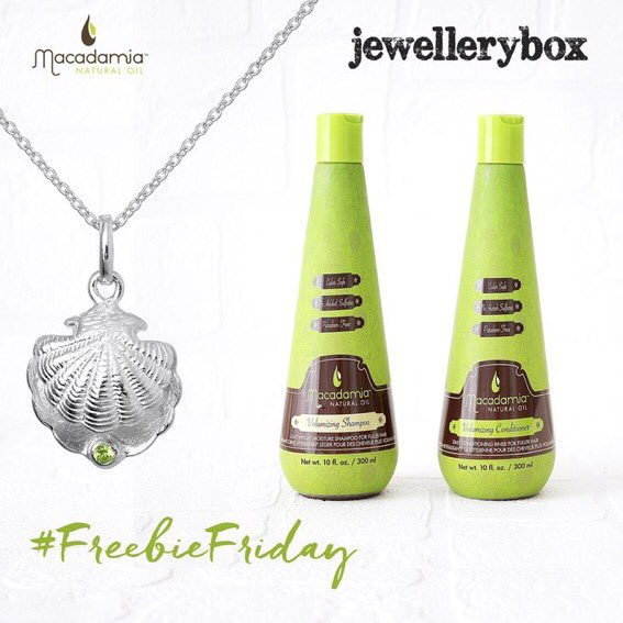@macadamiaoiluk We have teamed up with @jewelleryboxuk to give you the chance to win one of their beautiful Necklaces alongside our Volumizing Duo in our #freebiefriday giveaway!  #FreebieFriday RT to be in with chance of winning!   #Giveaway #Win #FreebieFriday #MacadamiaHairUk