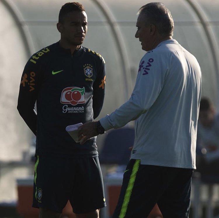 Todo dia é dia de aprender e evoluir! ⚽️🇧🇷🙏🏽 #sólazer #emuitotrabalho #debicaspromundo @CBF_Futebol