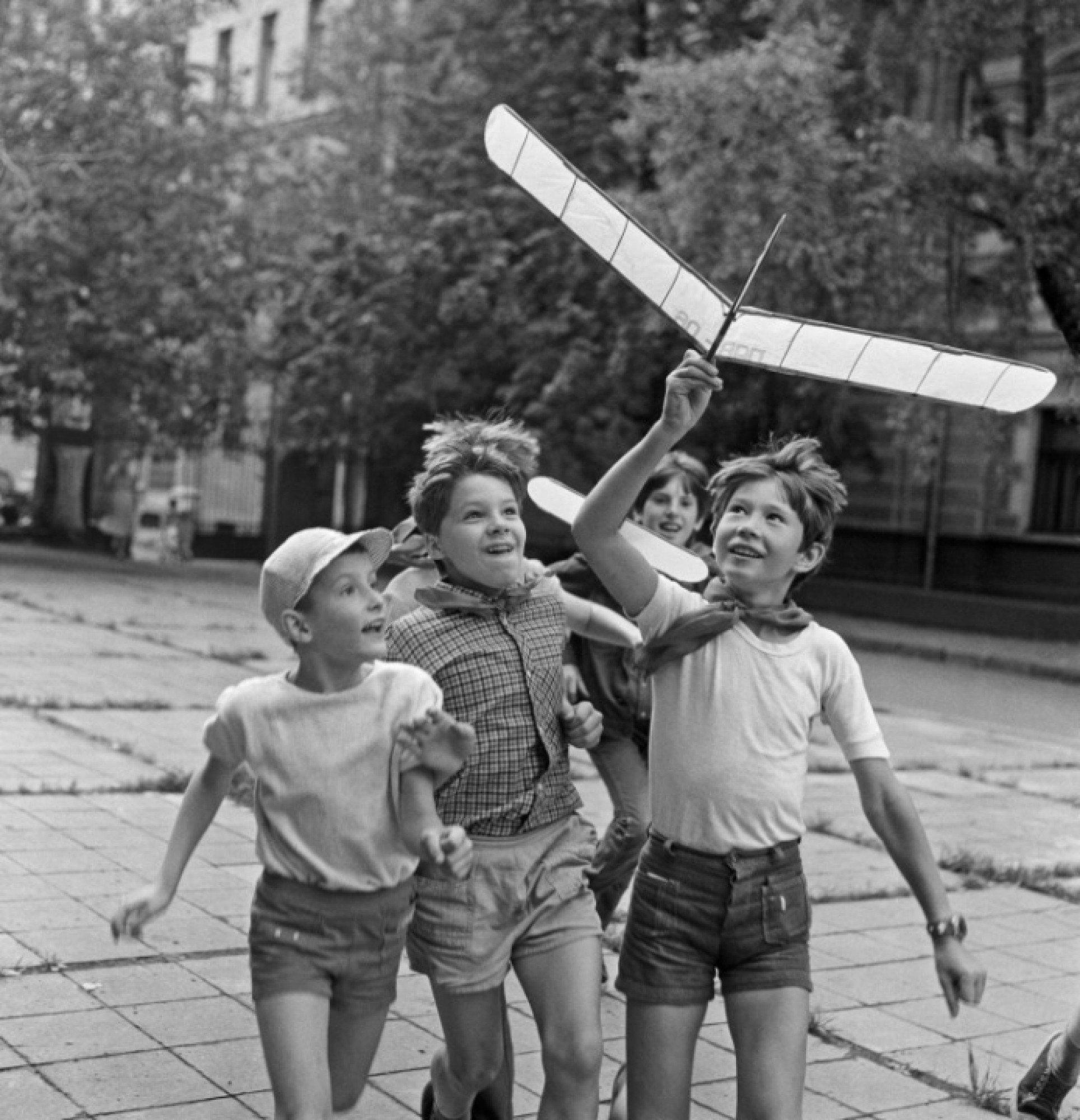 Веселые картинки 70-е годы, день рождения