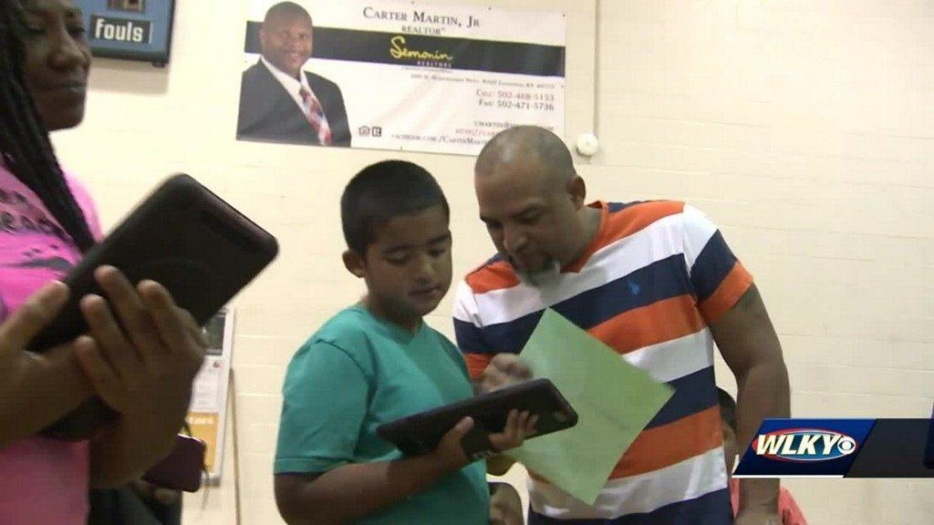 JCPS and Verizon partnership allows students to have more access to technology bit.ly/2yp28bG